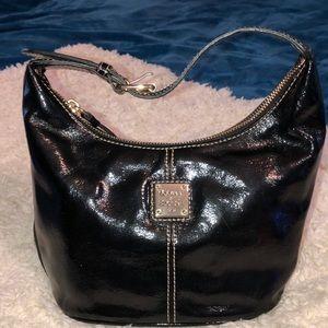 Dooney & Bourke leather hand bag excellent cond